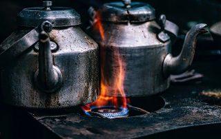 Making Iranian Saffron Tea